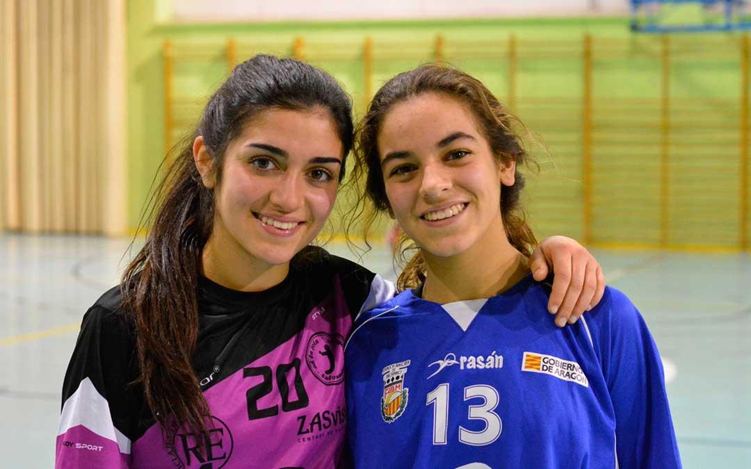 Las hermanas Irene y Lucía Guarc en un partido en el que Irene, jugando con el equipo de La jota se enfrentó a la selección de Aragón donde jugó Lucía.