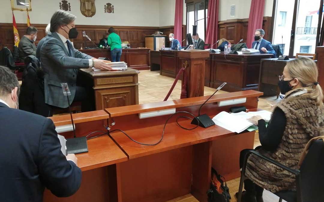Primera sesión del juicio por el desprendimiento de Pui Pinos celebrado en Teruel / M.A.M
