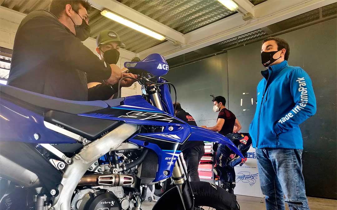 Maverick Viñales con el equipo Viñales Racing Team en Motorland Aragón./ Twitter Made in TechnoPark