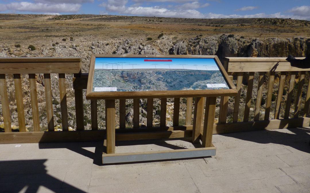 Mirador en el Barranco del Mortero en Alacón. / DGA