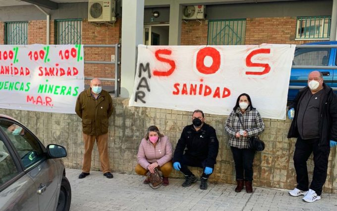 El Movimiento de Acción Rural impulsa una campaña de carteles y chapas por el 100% del personal sanitario en Utrillas