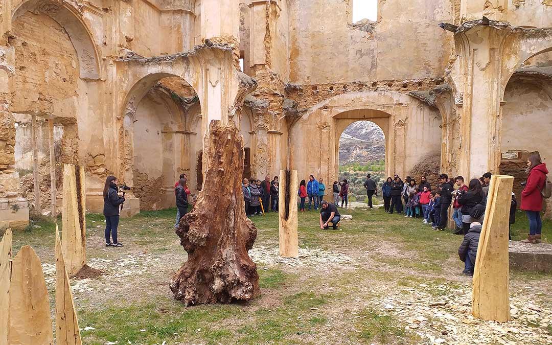Imagen de archivo de una de las actuaciones artísticas organizadas desde la Comarca del Maestrazgo, en esta ocasión en el Convento de Cuevas de Cañart./ Comarca Maestrazgo