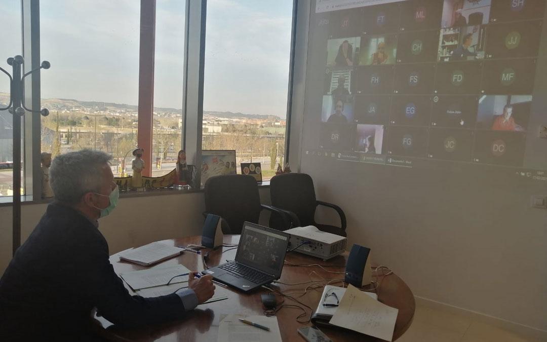 Reunión telemática de Javier de Diego con las federaciones territoriales. Foto: DGA