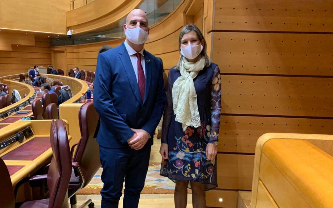 Joaquín Egea y Beatriz Martín, senadores de Teruel Existe./TERUEL EXISTE
