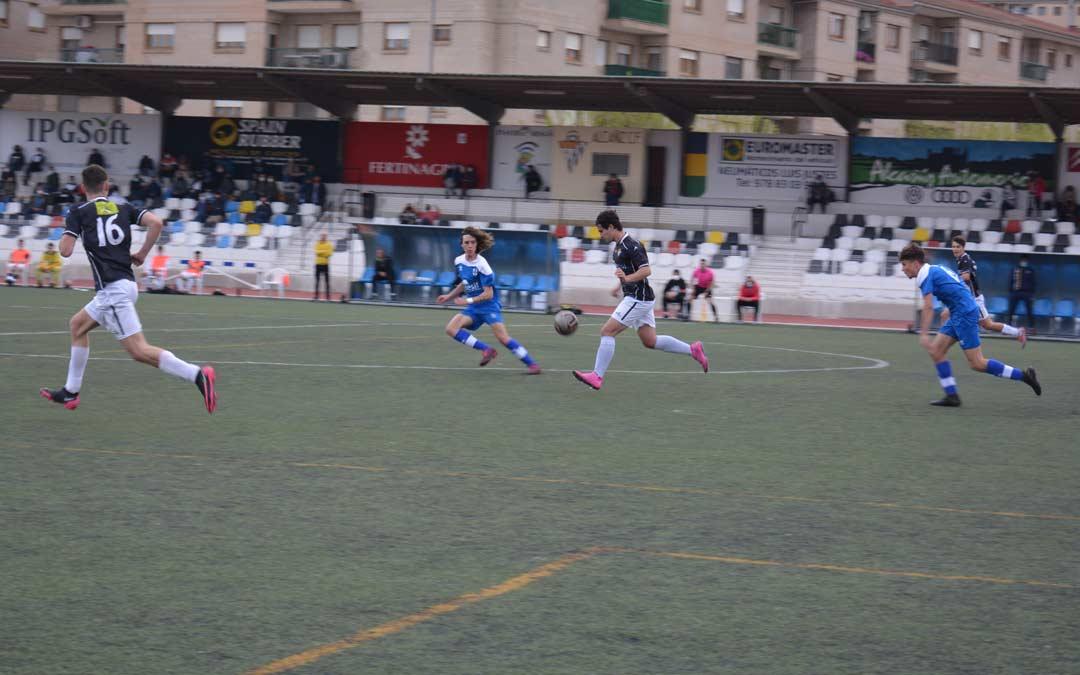 Partido de fútbol entre Alcañiz y Giner este sábado./I.M.