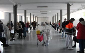 Quejas en Alcañiz por retrasos en la vacunación a personas mayores