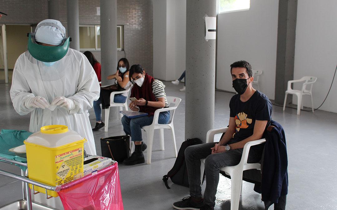 Vacunación este miércoles en la antigua estación de autobuses. / BEATRIZ SEVERINO