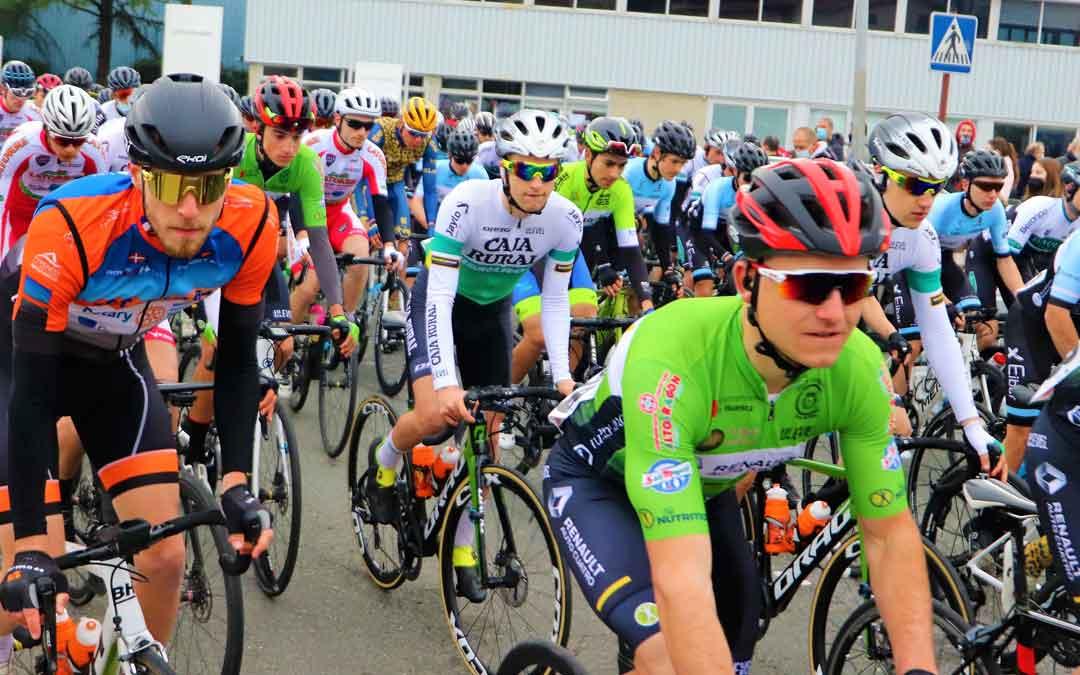 El ciclista cantaviejano Germán Castel en primer término en Zumaia. Foto: C.C.O.