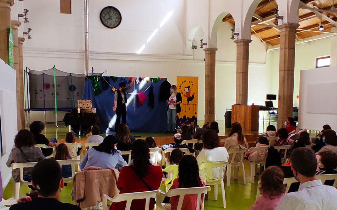 Reapertura del Centro Joven este domingo con un espectáculo de magia / Ayto. Alcañiz