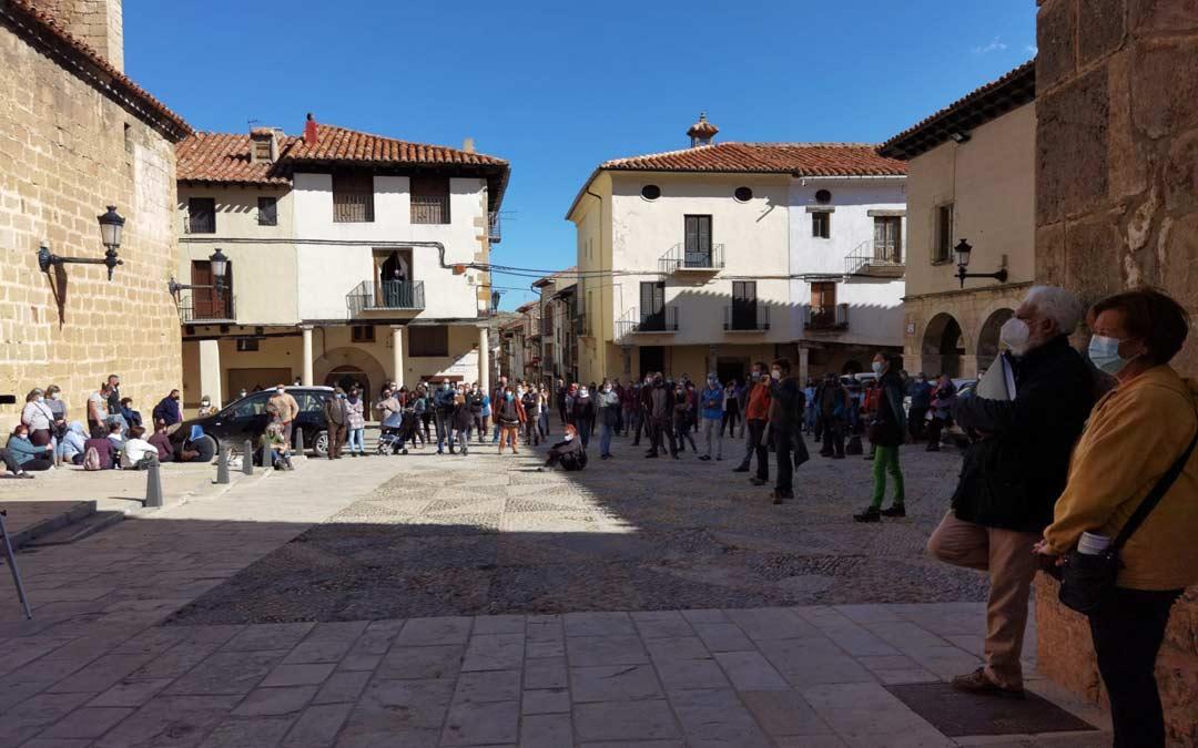 Reunión celebrada en Mosqueruela para tratar la implementación de los parques eólicos./Plataforma Paisajes de Teruel