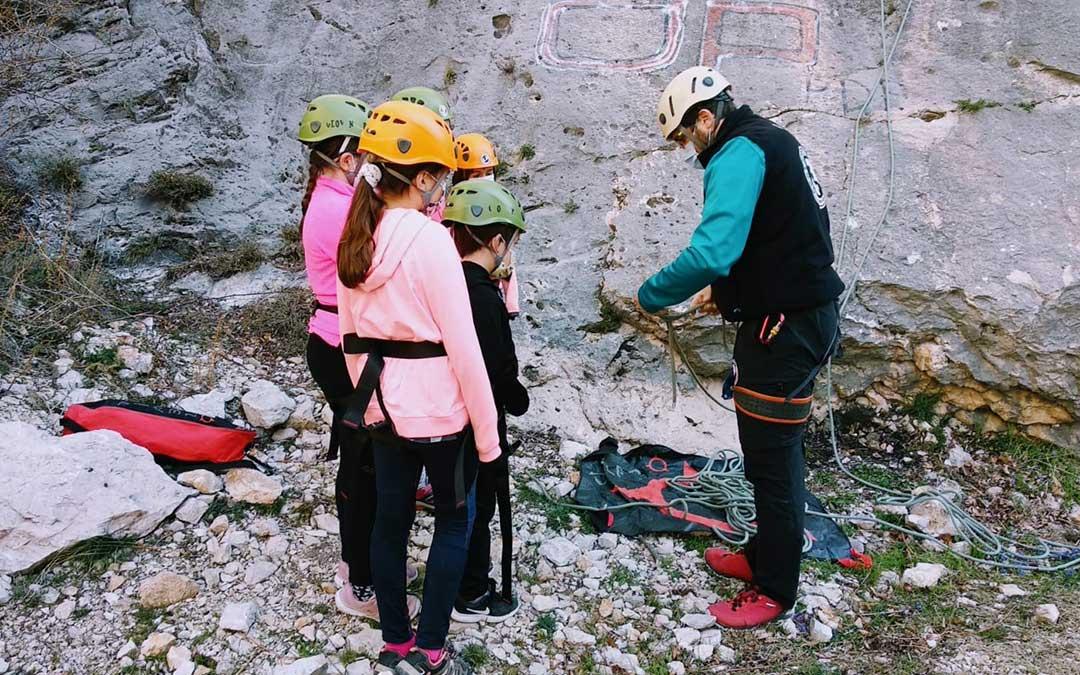 La primera sesión de escalada organizada por la Comarca del Maestrazgo tuvo lugar este sábado./ Comarca Maestrazgo