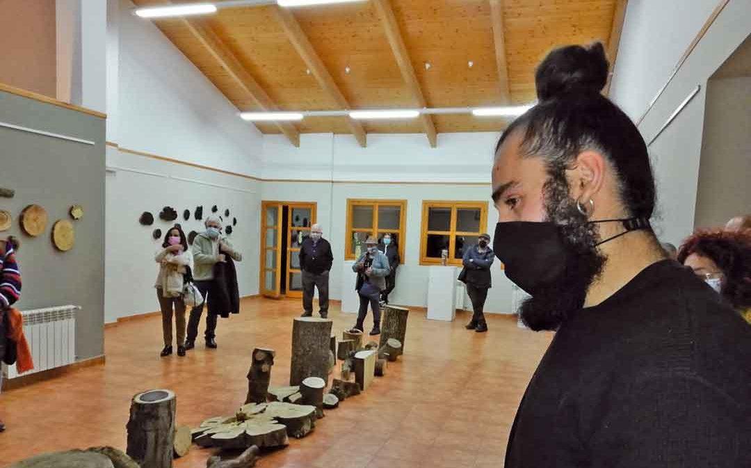 Se inaugura la exposición '¿Qué pintan los árboles?', de Darío Escriche, en el Itaca de Andorra