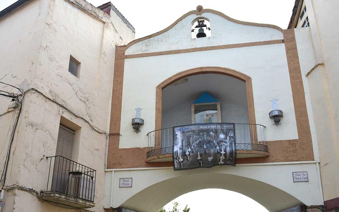 Procesión del Silencio (1955) en el Arco de Loreto./