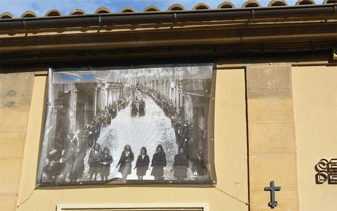 Procesión del Santo Entierro (1943) en el Centro Joven 'el Mercado'./ M.C.