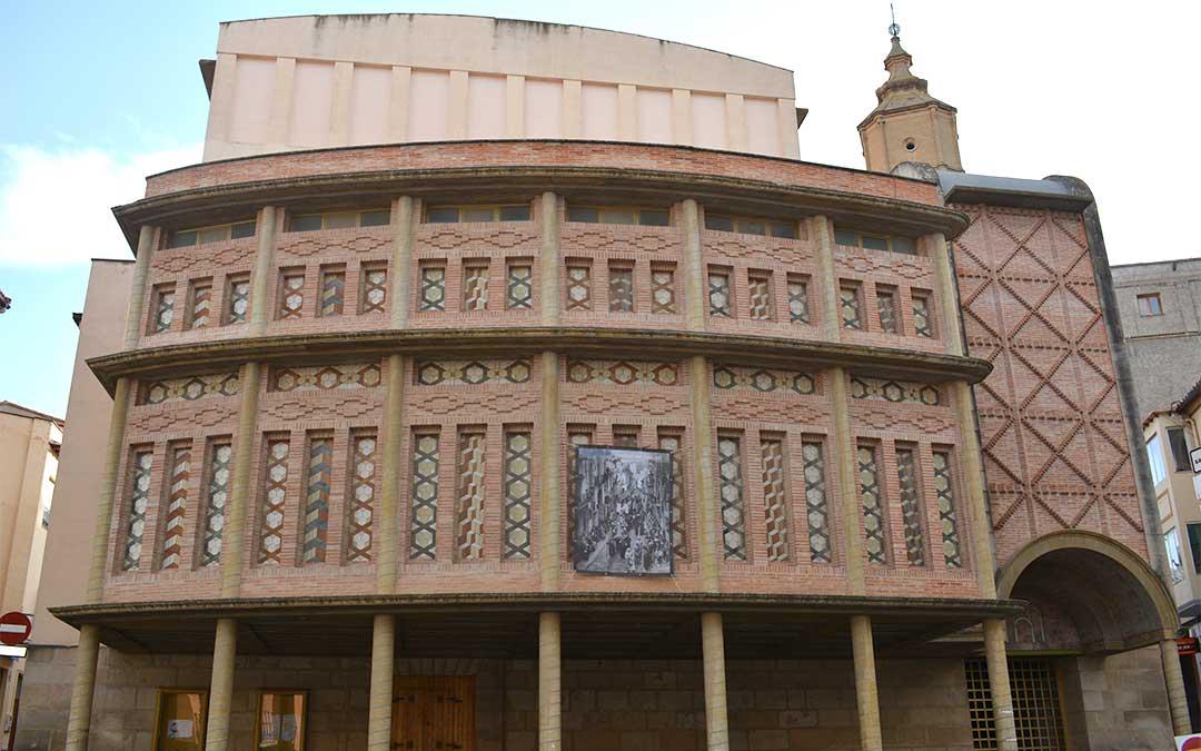 Procesión del Santo Entierro (1930) en el Teatro Municipal./ M.C.