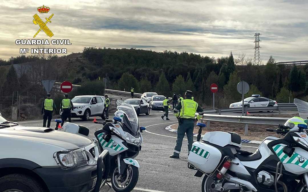 Imagen de archivo de un control de la Guardia Civil./Guardia Civil de Teruel