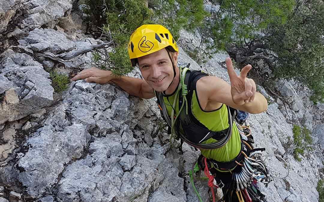Javier Magallón escalando en la Pared del Pitarquejo, cerca de Pitarque./J. Magallón