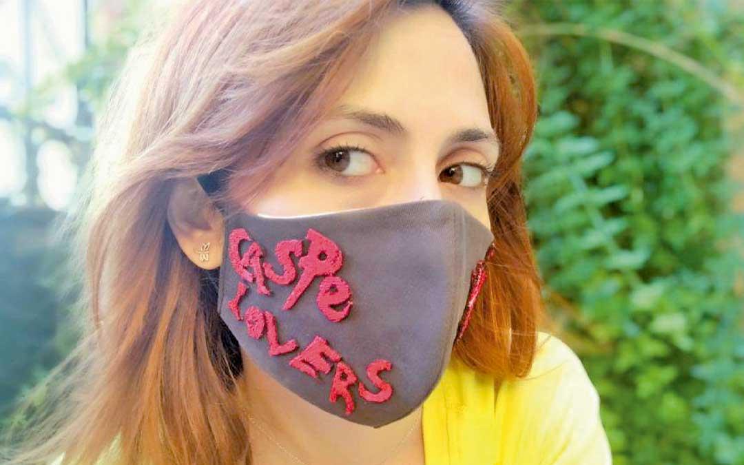 El Ayuntamiento de Caspe quiso animar a los vecinos en julio lanzando un concurso de mascarillas originales en el que hubo alta participación. L.C.