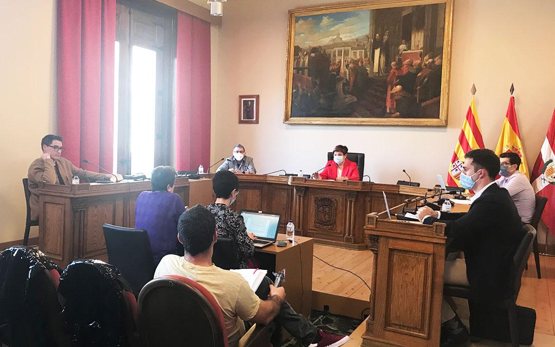 Un momento del pleno del Ayuntamiento de Caspe del mes de marzo. L.Q.V.