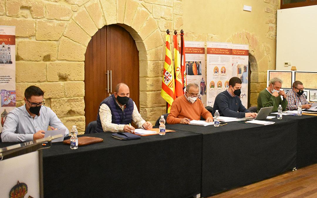 Los portavoces de los cuatro partidos representantes en la Comarca del Bajo Aragón-Caspe, durante el pleno.
