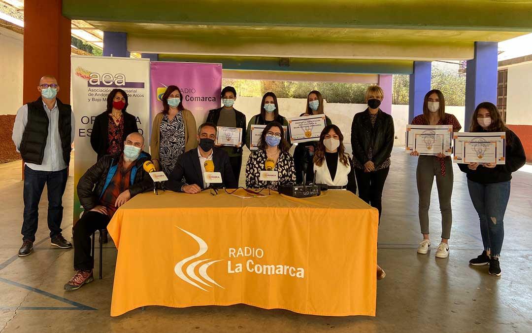 Invitados al programa especial de Radio La Comarca emitido desde el IES Pablo Serrano de Andorra./ L.C.