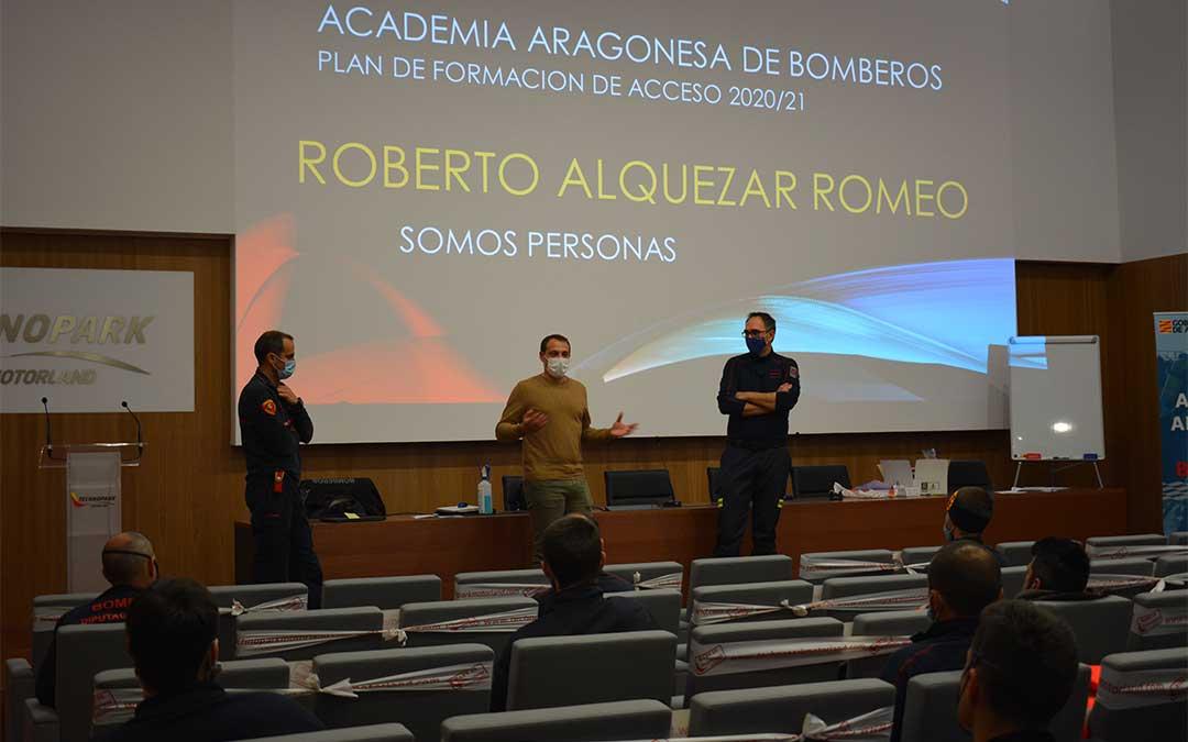 En el medio, Roberto Alquezar durante su intervención en Technopark este martes./ M. Celiméndiz