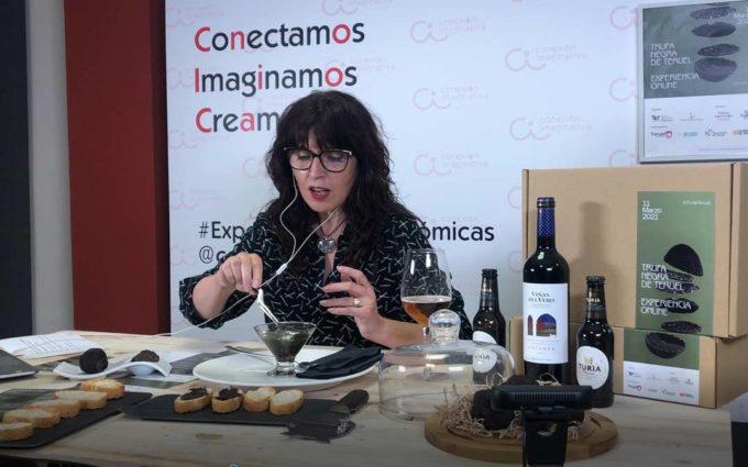 Doscientos euros por una «Tuber melanosporum» para Cáritas Teruel