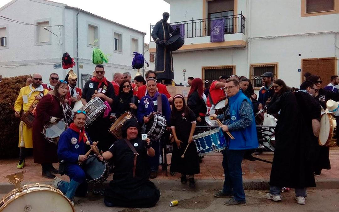 Gran parte del grupo Drink's and Drums en las Jornadas Nacionales de Agramón 2019./ Drink's & Drums