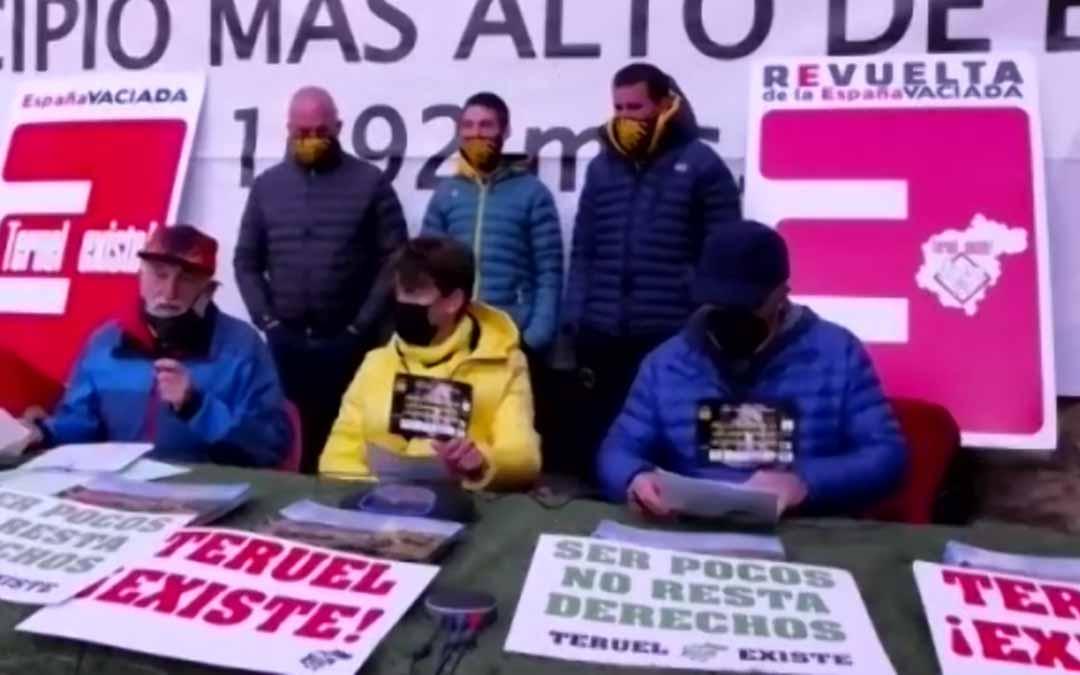 El Movimiento Ciudadano Teruel Existe ha respaldado en Valdelinares a los corredores.