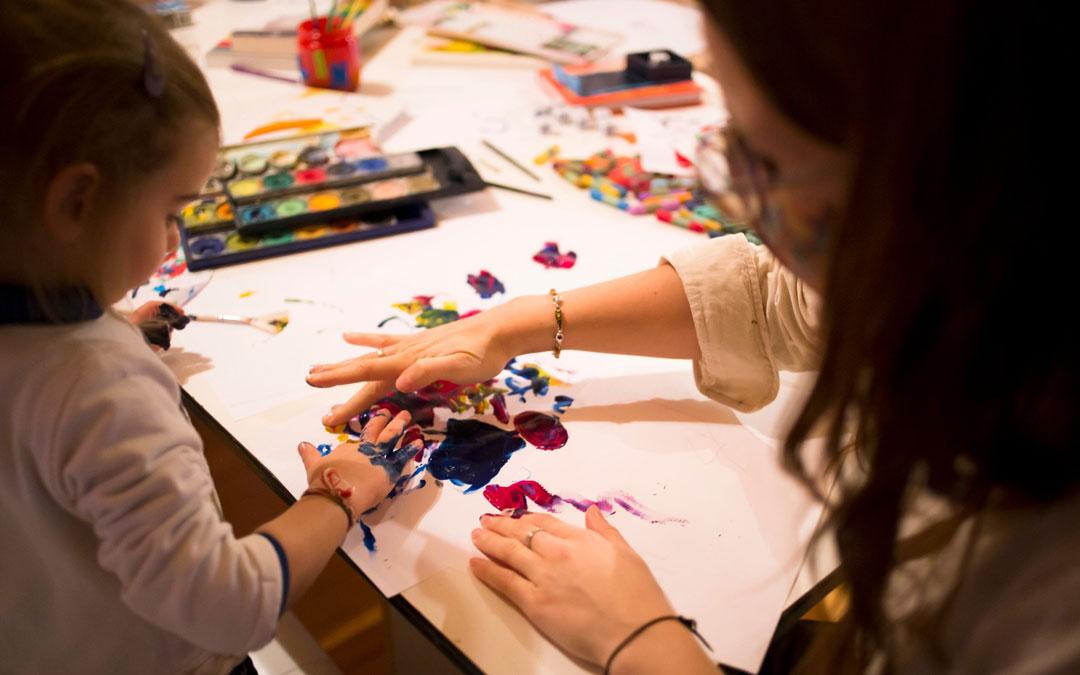 Sesión de creatividad con niños. / Archivo personal