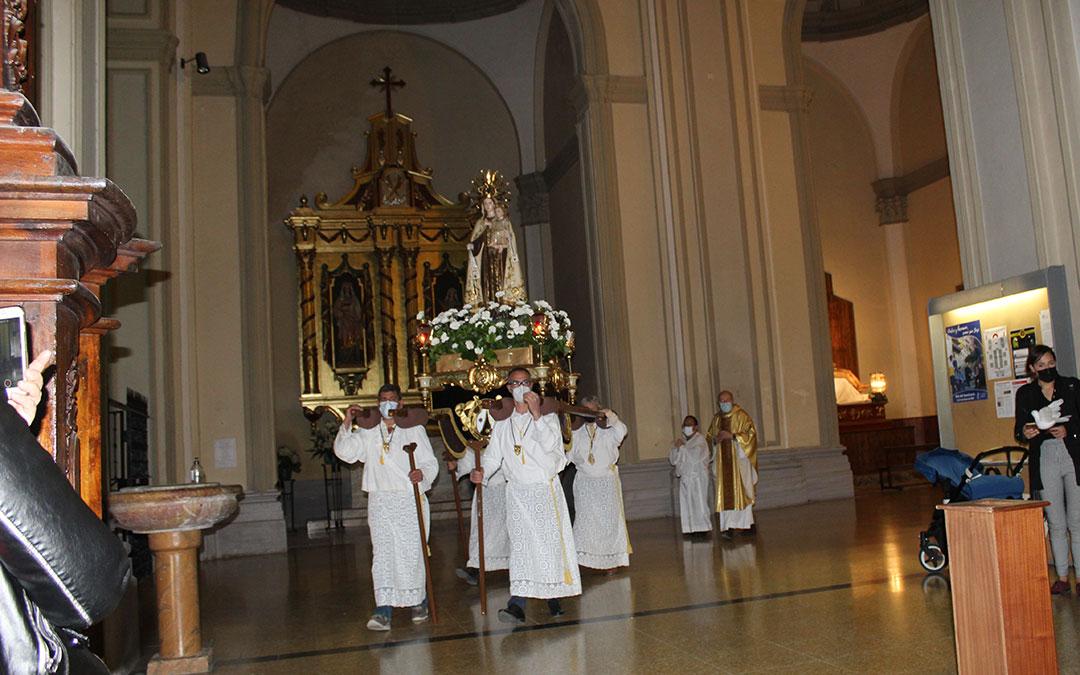 Celebración de las Palometas dentro de la excolegiata en Alcañiz. / B. Severino
