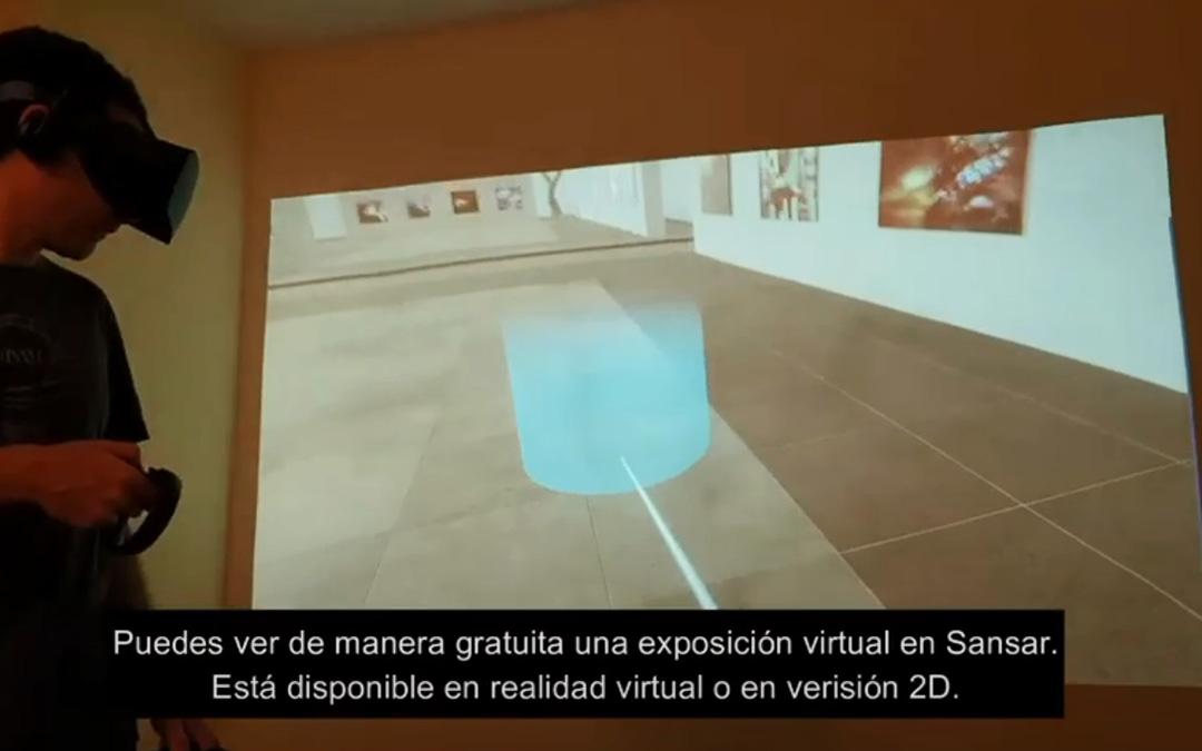 Con casco y mando, en su expo virtual en Sansar. / Youtube Recuerdos de una IA