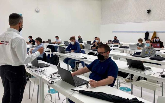 Los alumnos del máster en ingeniería del motorsport avanzan en su formación con una segunda jornada práctica