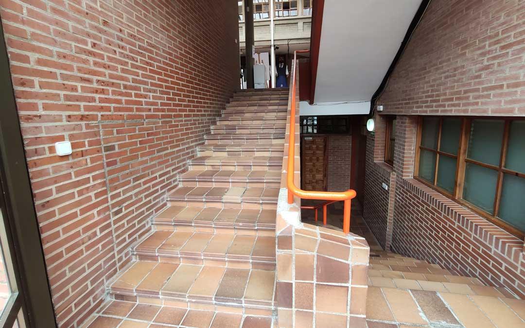 Escaleras interiores en la casa de cultura de Andorra. / Ayto. Andorra