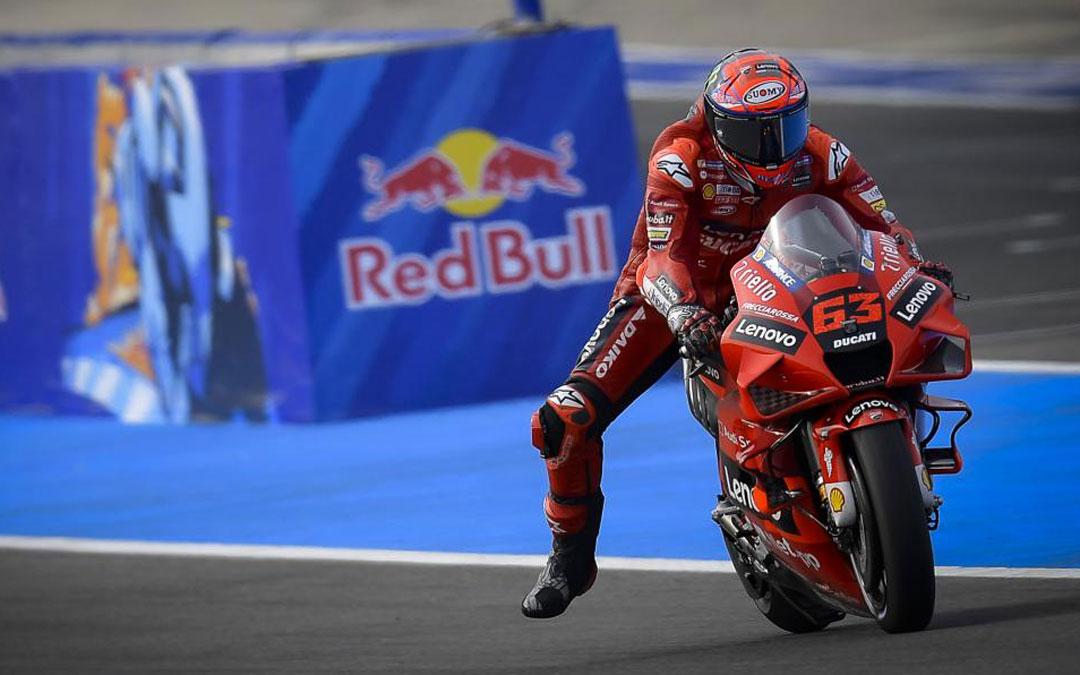 El italiana Bagnaia ha marcado el mejor tiempo en los entrenamientos libres de MotoGP. Foto: MotoGP