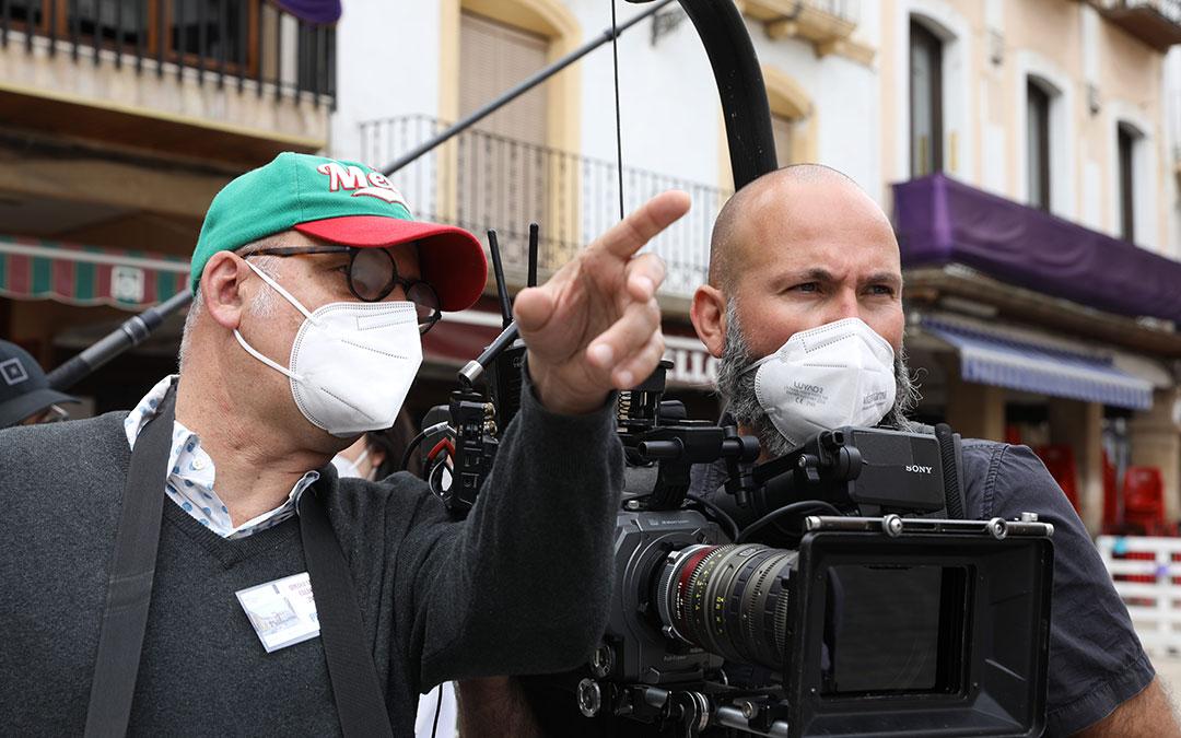 Luis Roca, director y Santi Torres, director de fotografía de 'Benito Pérez Buñuel'. / Delia Martin
