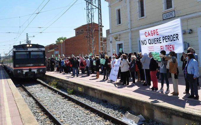 El Bajo Martín y el Bajo Aragón-Caspe claman contra el recorte ferroviario y exigen «no perder el tren»