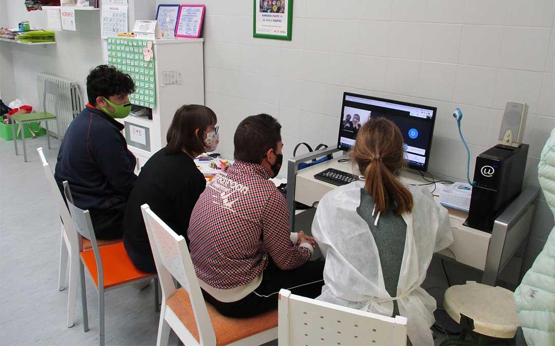 Encuentro digital del alumnado del Gloria Fuertes y del Odón de Buen./ CPEE Gloria Fuertes