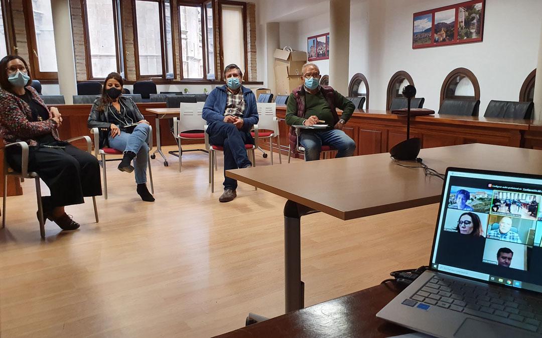 Reunión de la Comarca Andorra Sierra de Arcos con los alcaldes. / Comarca Andorra