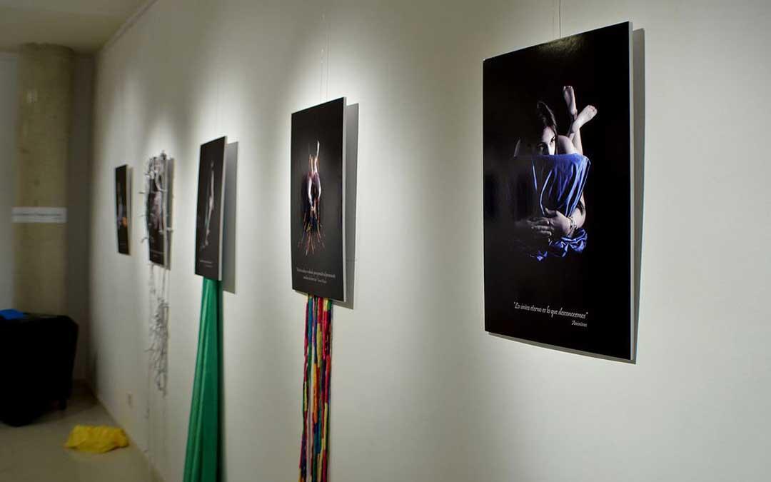 Su trabajo final de carrera fue un autorretrato conceptual a personas de su entorno que expuso en Teruel / C.C.