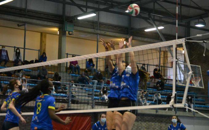 El juvenil femenino del Club Voleibol Alcañiz se proclama campeón de Aragón