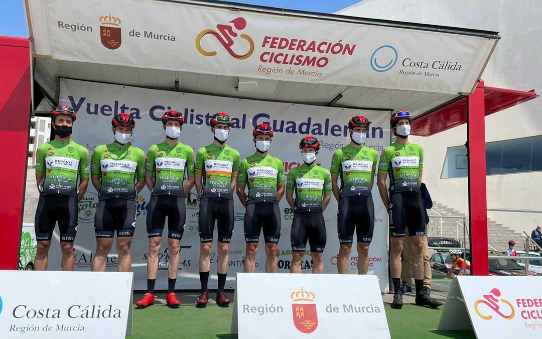 Los componentes del Huesca La Magia Renault que participaron en la Vuelta al Guadalentín. Foto: C.C.O.