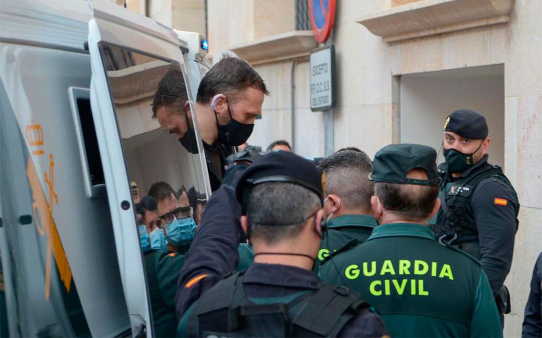 Llegada de Igor el Ruso a la Audiencia Provincial de Teruel el lunes 12 de abril de 2021./ Heraldo-Jorge Escudero