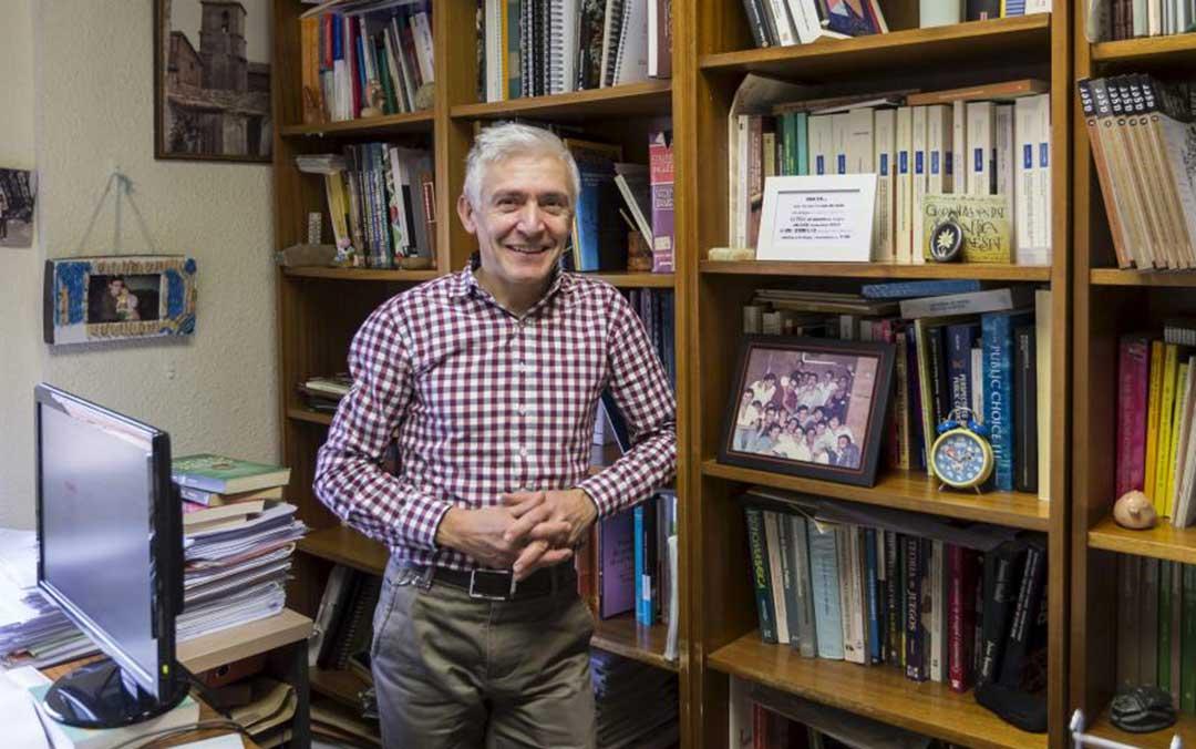 Luis Antonio Sáez, profesor de Economía Aplicada de la Universidad de Zaragoza./ Heraldo-Guillermo Mestre