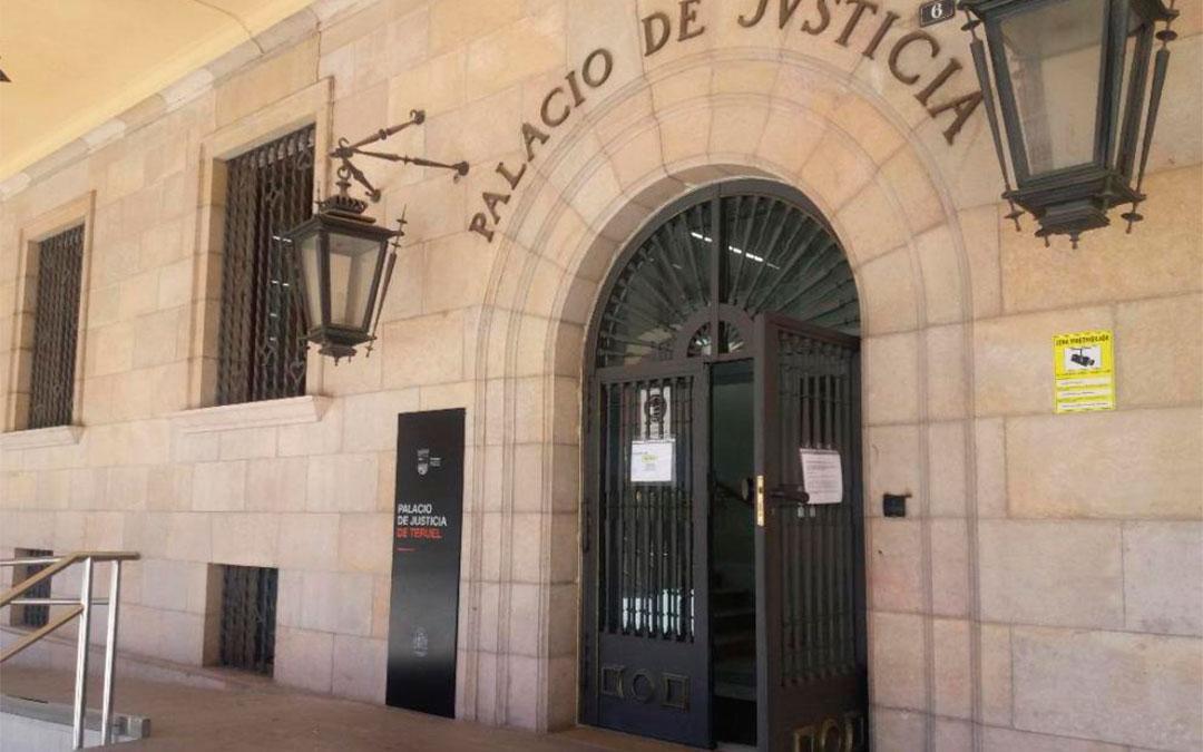 Accesos a la Audiencia Provincial de Teruel./ Heraldo