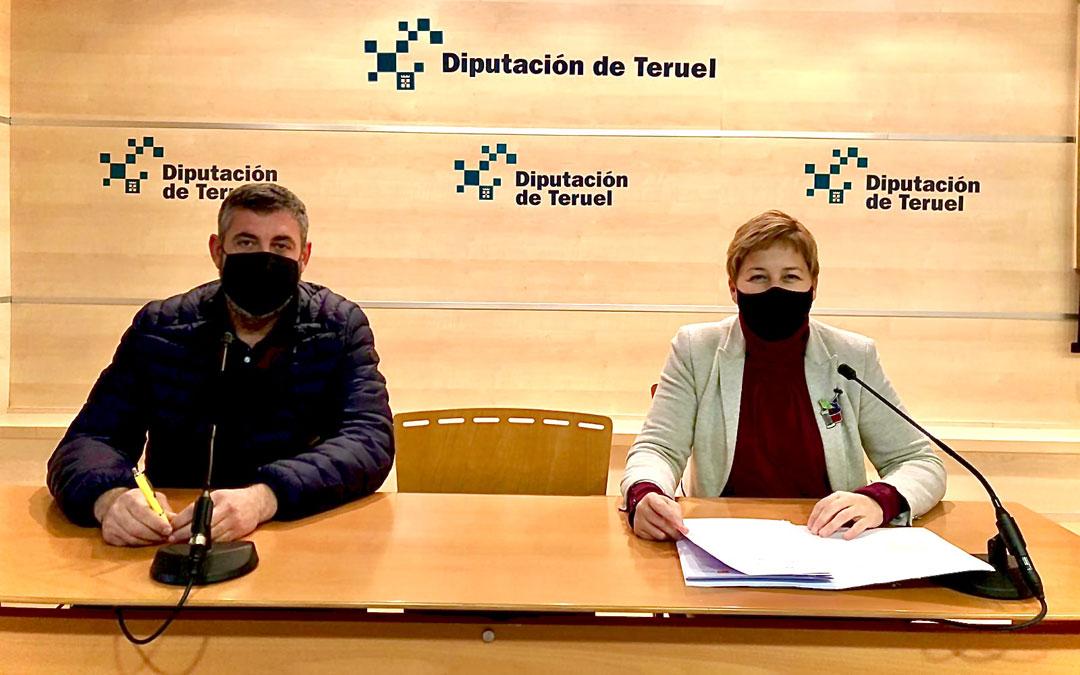 Los diputados provinciales Antonio Pérez y Berta Zapater. / PAR
