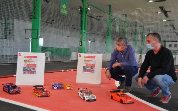 La nueva pista de automodelismo de Alcañiz ante la primera toma de contacto