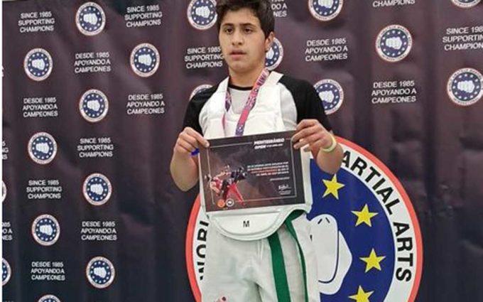 El taekwondista alcorisano Raúl Gómez se cuelga el oro en Gavá