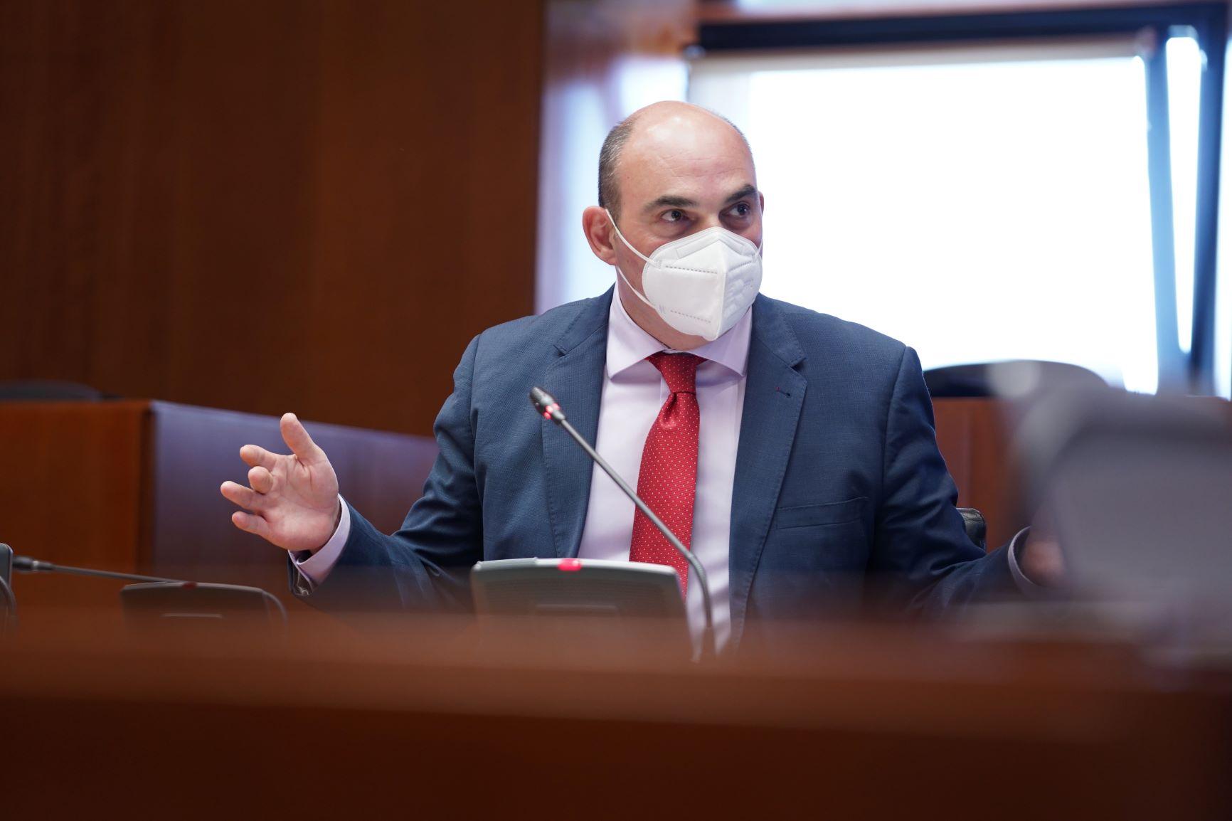 Juan Carlos Gracia Suso en comisión de Industria de las Cortes de Aragón / PP