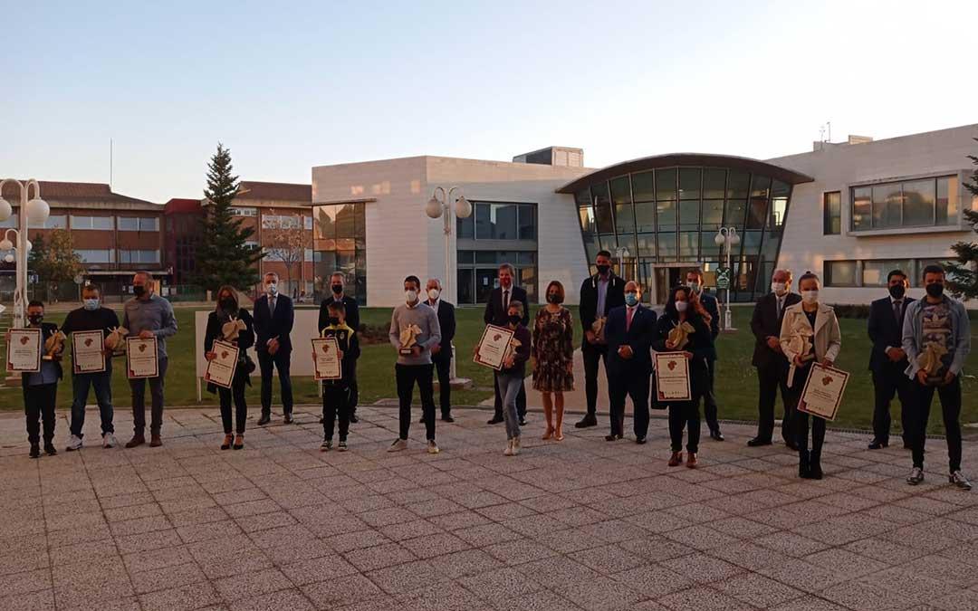 Foto de familia de los participantes en la Gala que se celebró en Teruel.